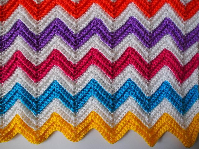 Chevron Zig Zag Knitting Pattern : Zali zig zag crochet chevron blanket tutorial knitting