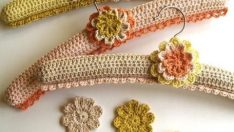 Shabby hangers coated crochet