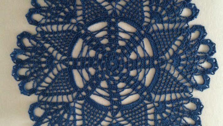 Lace napkins blue