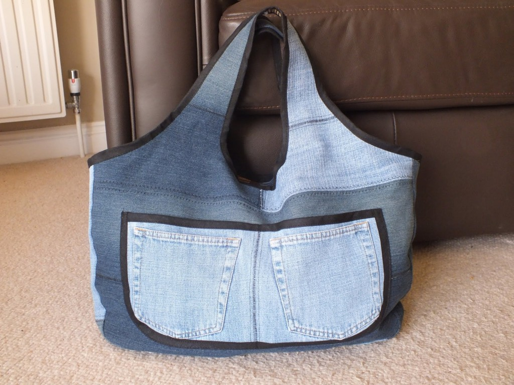 old-jeans-became-bags
