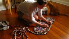 You Can Make Rug From Unused Clothes