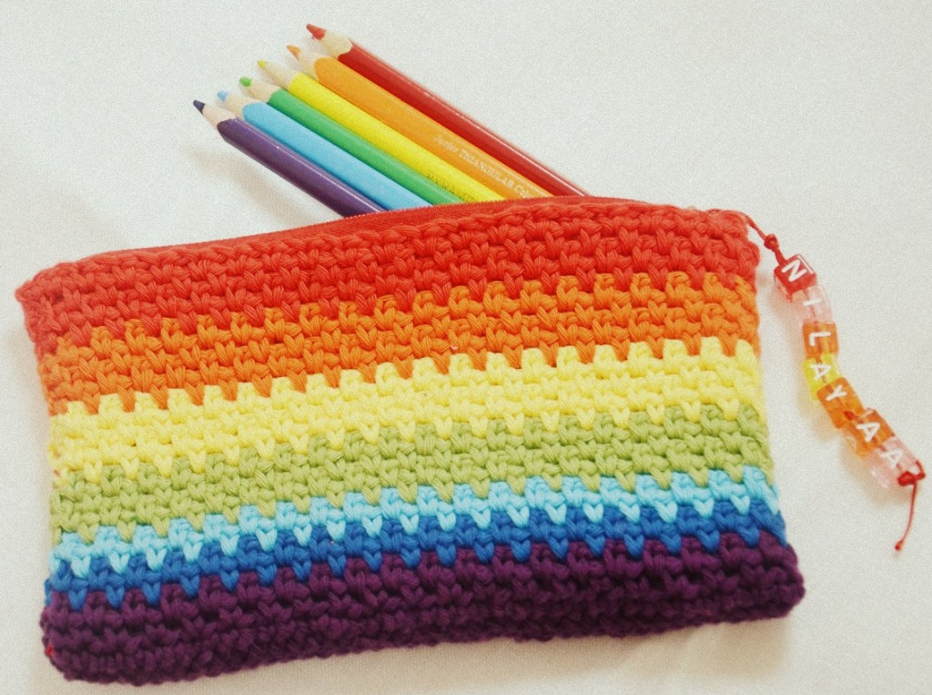 pencilbox-with-crochet