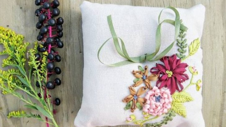 Decorate Your Throw Pillows With Ribbon