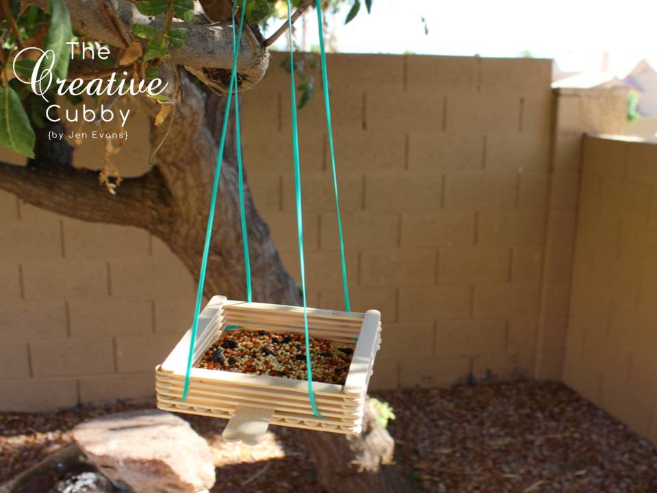 Popsicle stick bird feeder diy knitting crochet d y for Ideas for building with popsicle sticks