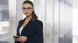 how-should-a-succesful-working-woman-dress-3