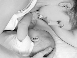 how-to-breast-feed-your-baby-5