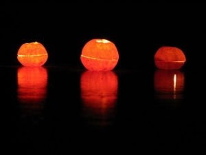 how-to-make-a-candle-out-of-the-mandarin-shell-5