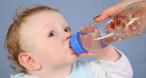 is-it-necessary-to-give-water-to-a-baby-1