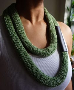 knitting necklace3