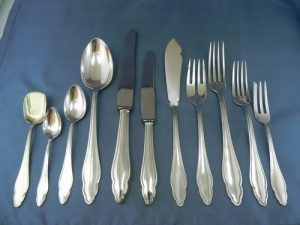 how-to-clean-silver-cutlery-3
