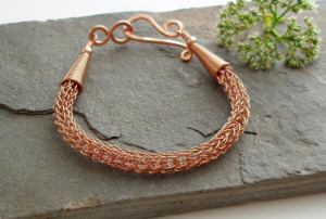 knit-necklace-making-2