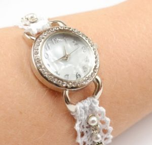 making-clock-to-lace-4