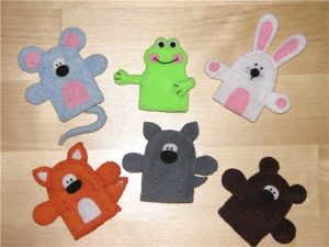 crocheted-finger-puppets-made-2