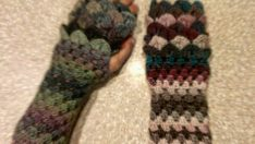 Dragon Scale Fingerless Gloves Free Pattern
